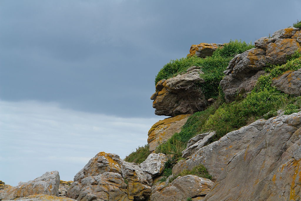 Apache head Apache Head in Rocks, Photo Credit: Erwan Mirabeau